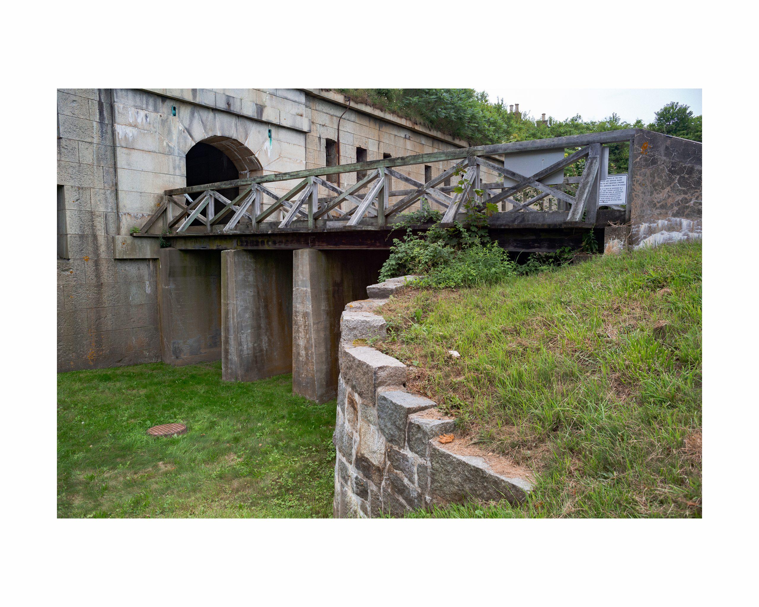 bridge leading to fort on georges island